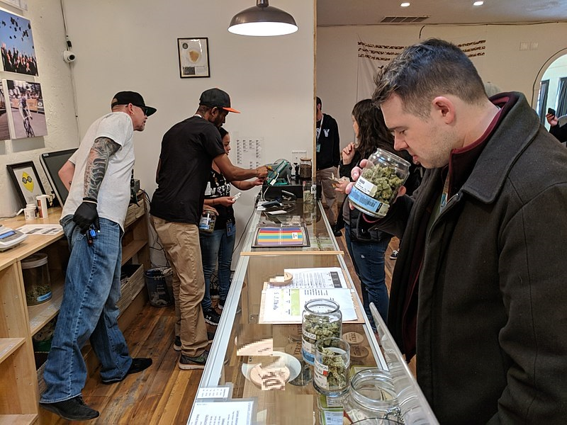 Top 5 Ways of Making it in the Legal Weed Business